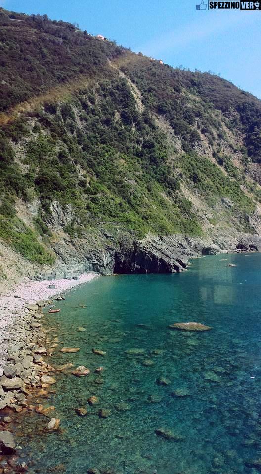The Canneto beach in the town of Riomaggiore